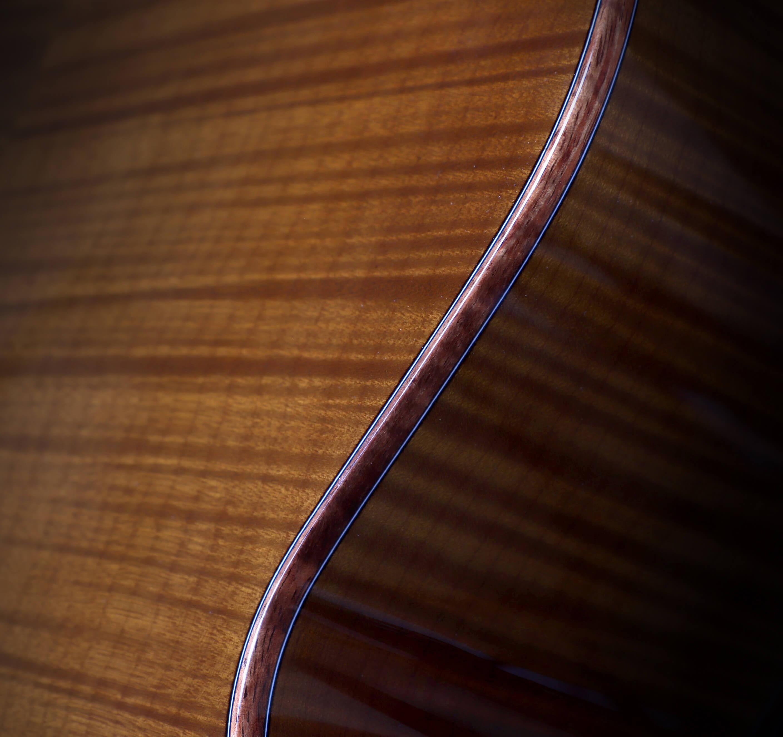 Comment choisir sa guitare bois de résonance